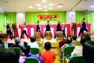 祭りのフィナーレは職員による和太鼓!